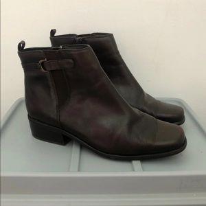 St Johns Bay Women's Boots Size 8M